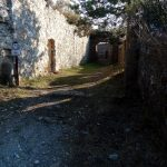 Trekking in Liguria (SV): Trekking Rocca Liverna. Passegiata tra storia e panorami. .